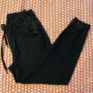 NWOT Under Armor Joggers